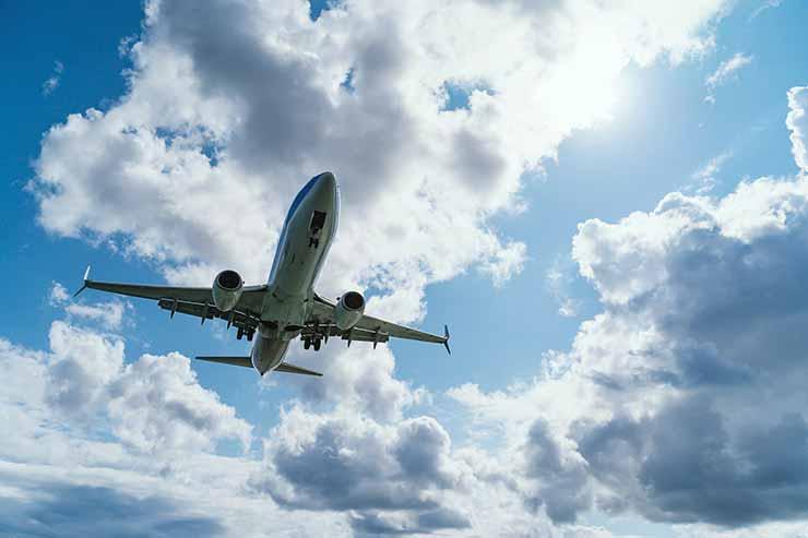 Como comprar passagem aérea barata