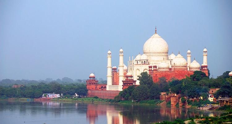 Taj Mahal Um pouco de história