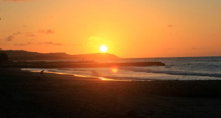 Admirar um pôr-do-sol inesquecível