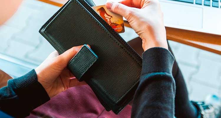 Confiar no seguro viagem do cartão de crédito