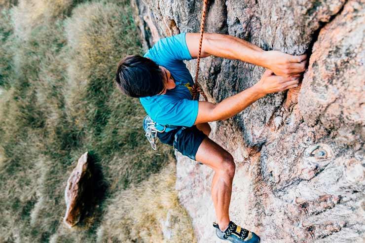 Existe diferença entre seguro para ecoturismo e seguro viagem para esportes?