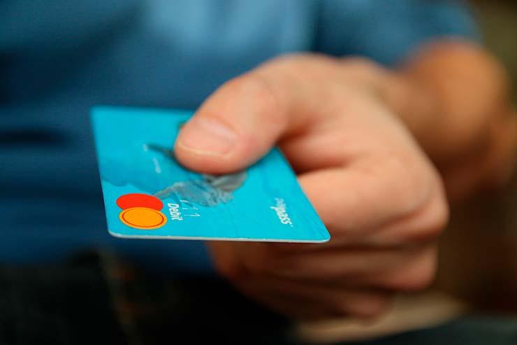 Seguro viagem de cartão de crédito vale a pena?
