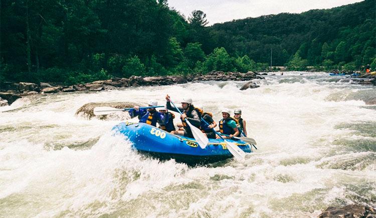 Destinos para praticar rafting em Minas Gerais