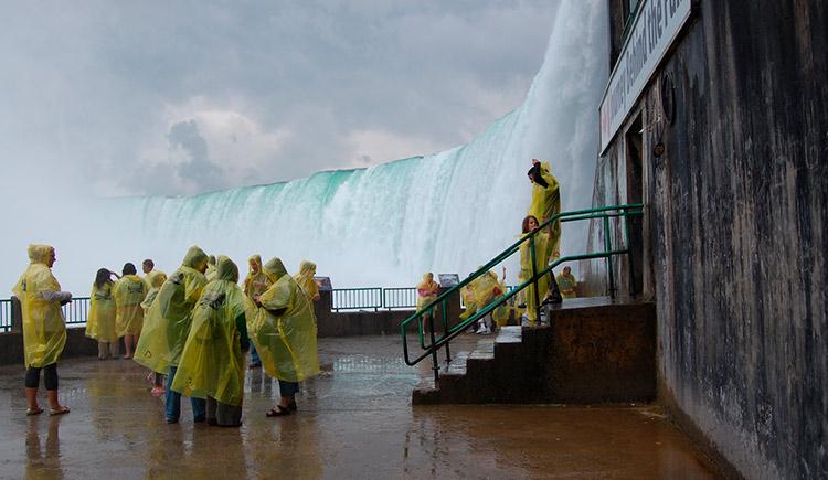 Explore uma das 7 Maravilhas Naturais do Mundo através de túneis