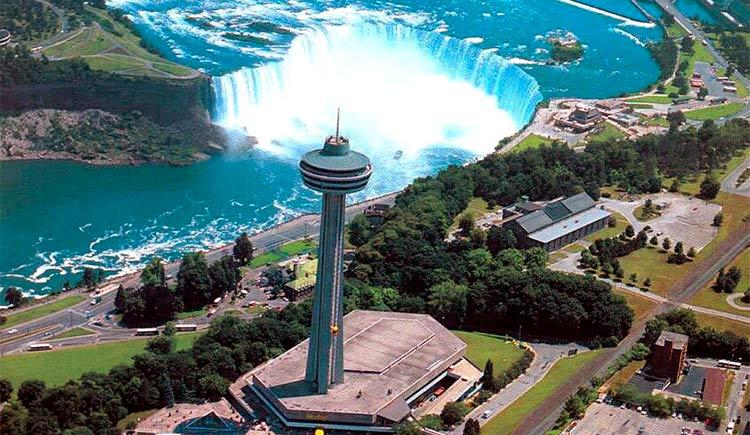 A Skylon Tower é uma ótima opção para quem quer ver Niagara Falls do alto