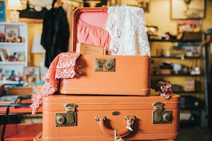 Como organizar as roupas na mala de viagem?