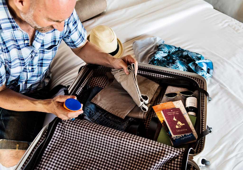 O que levar na mala ao viajar com idosos