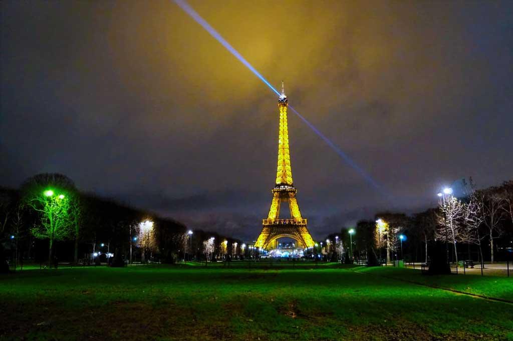 O que fazer em Paris: conhecer a Torre Eiffel