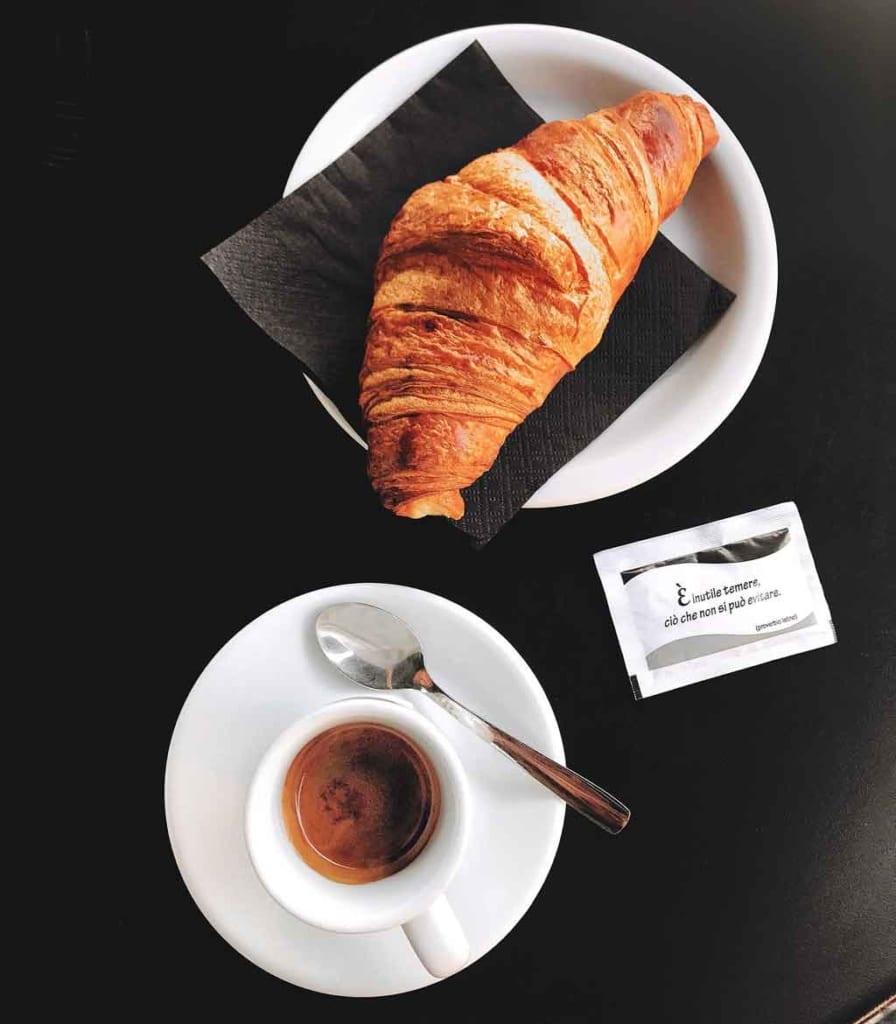 Cafés em paris La paix