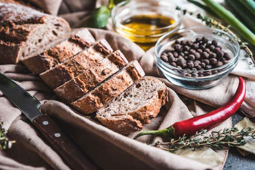 comidas típicas de Portugal: pães e azeite