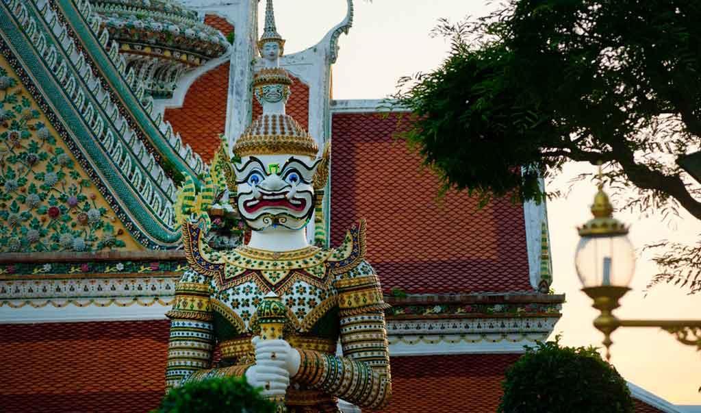 O que fazer em Bangkok: conhecer a história e religião