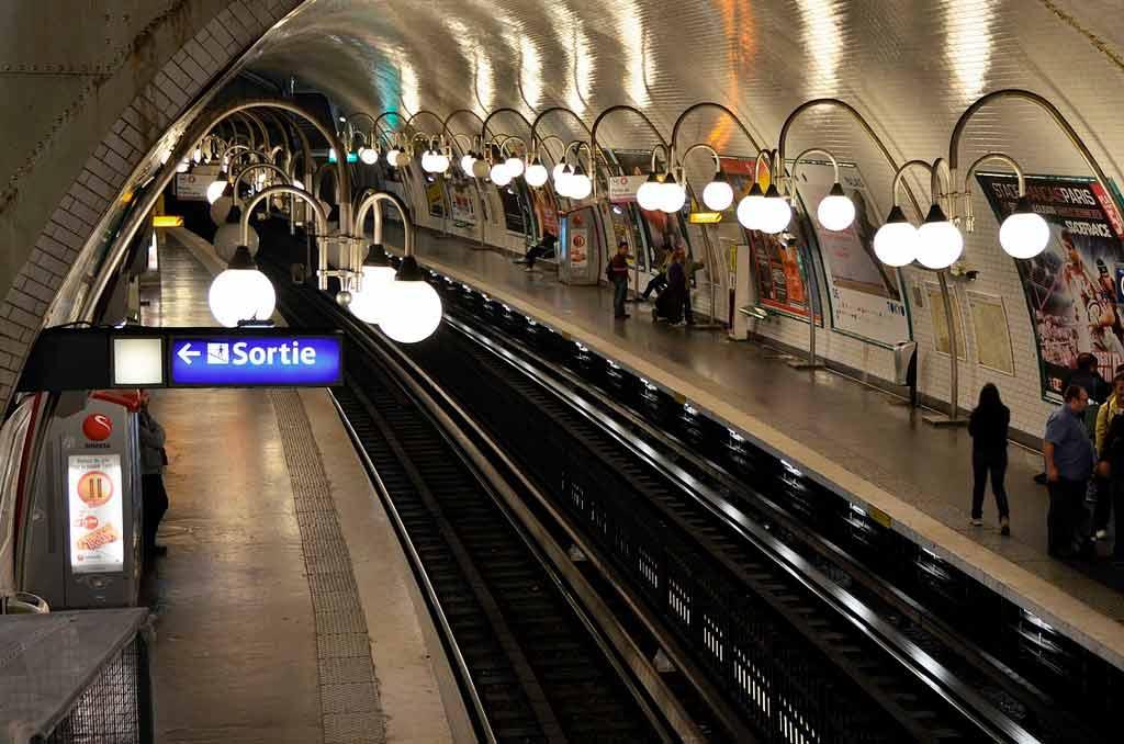Quantos quilômetros tem o Metrô de Paris