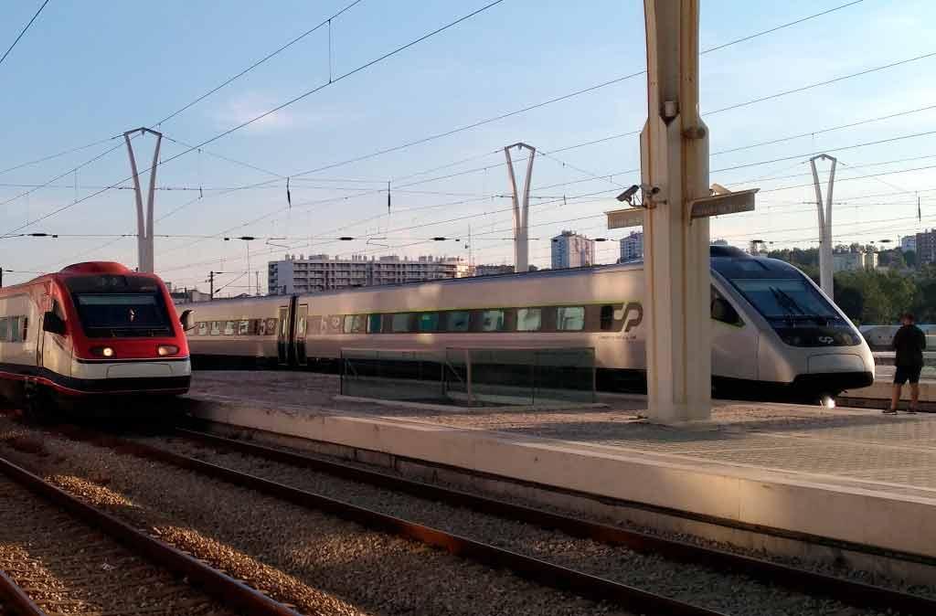 Trens de Portugal