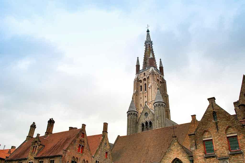 Bruges: Igreja de Nossa Senhora