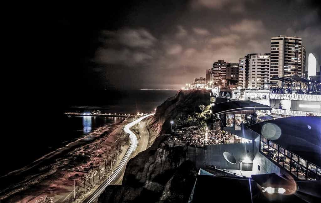 O que fazer em Lima à noite?