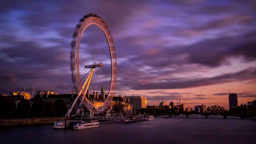 Roda gigante de Londres quantos metros tem