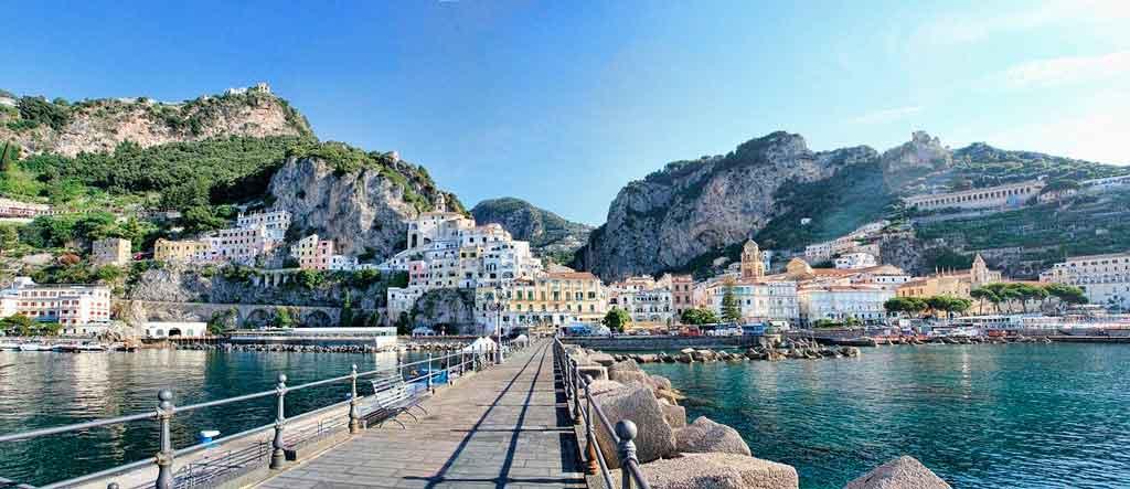 Verão na Europa costa Amalfitana