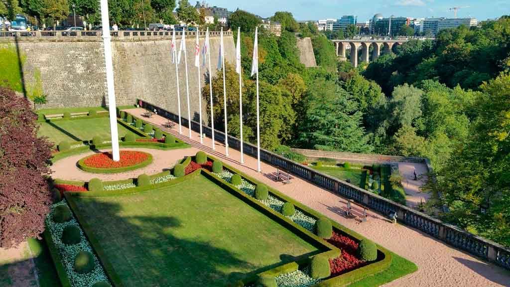 Paris com crianças jardins de luxemburgo