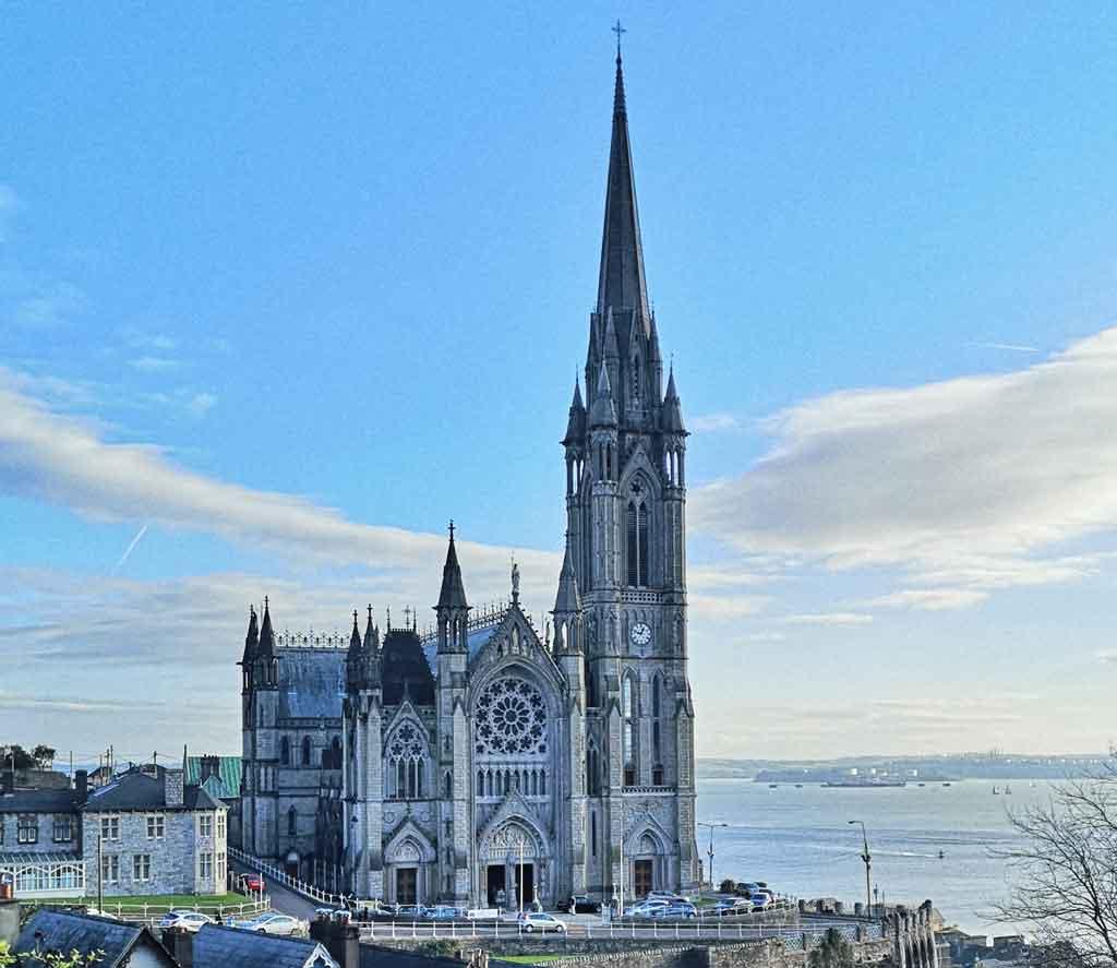 Turismo na Irlanda catedral San Finbarr