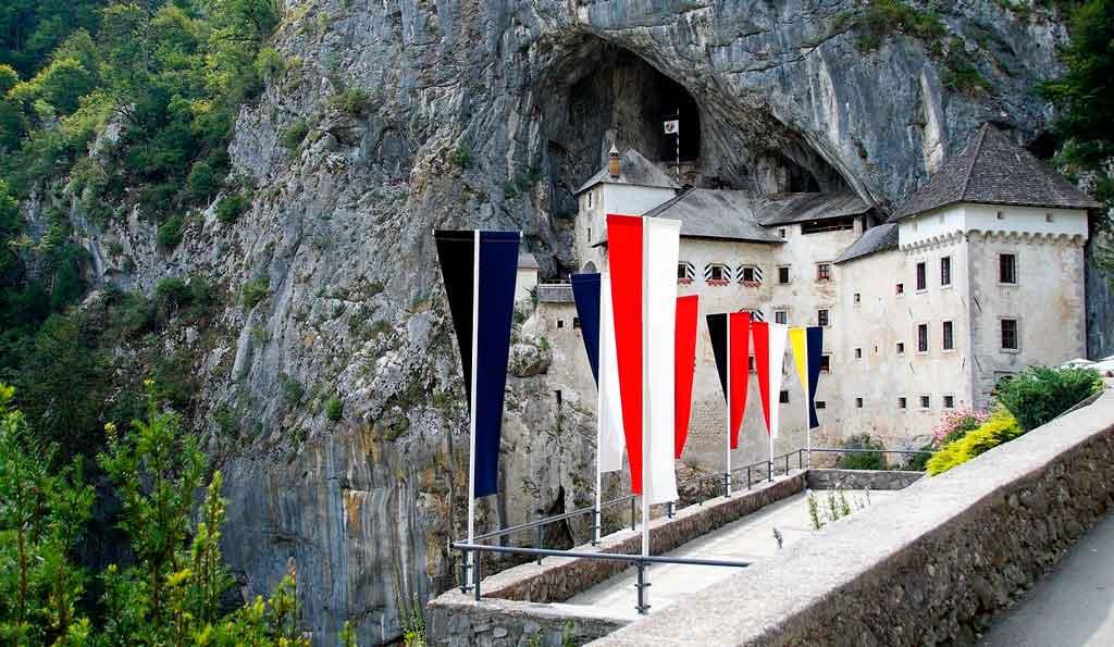 Eslovênia moeda Castelo Predjama
