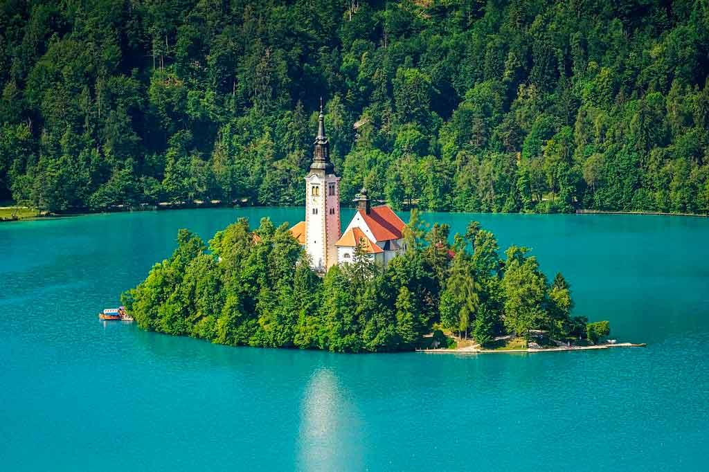 Lago Bled em um dia