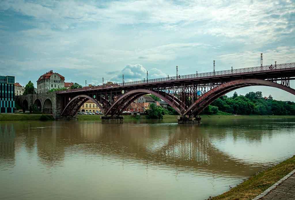 Maribor Eslovênia ponte velha