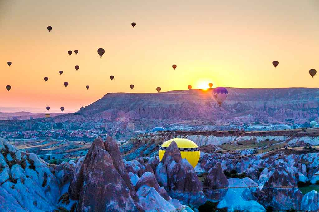 Balões na Capadócia no inverno
