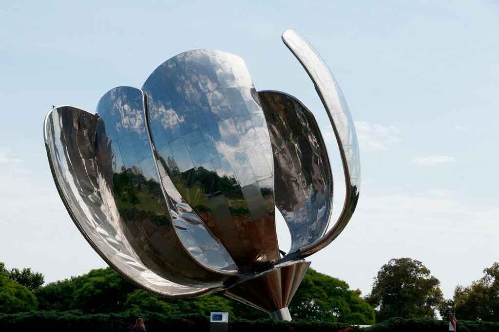 Pontos turísticos em Buenos Aires flor metalica