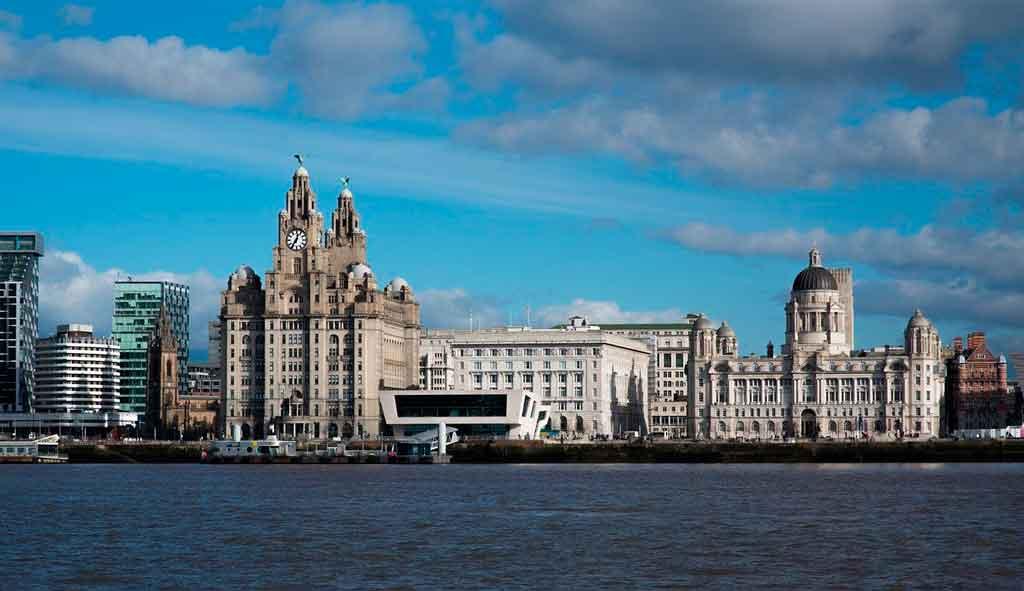 Cidade de Liverpool Pier Head