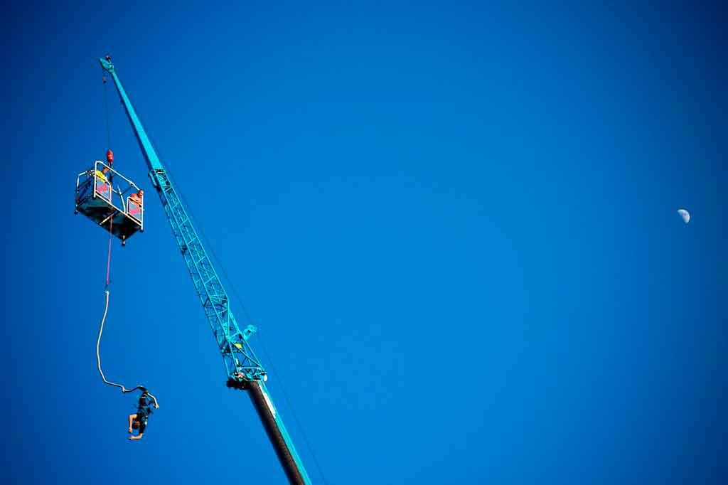 Esportes de aventura bungee jumping
