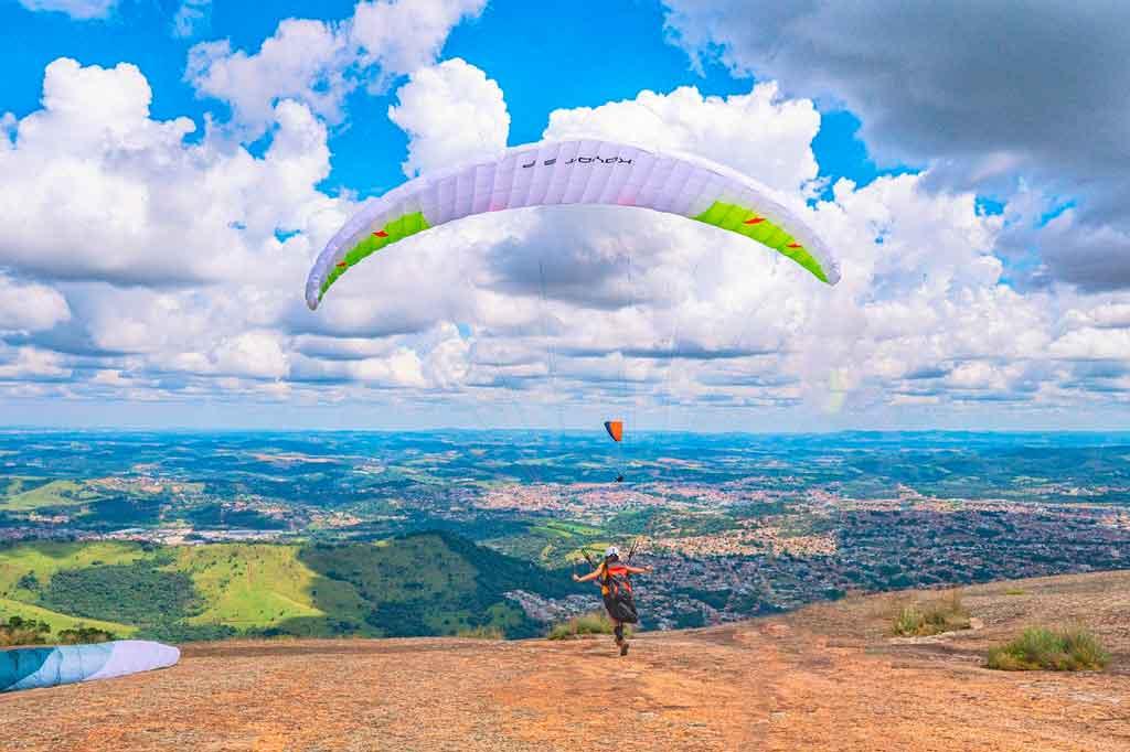 Esportes de aventura paraquedismo