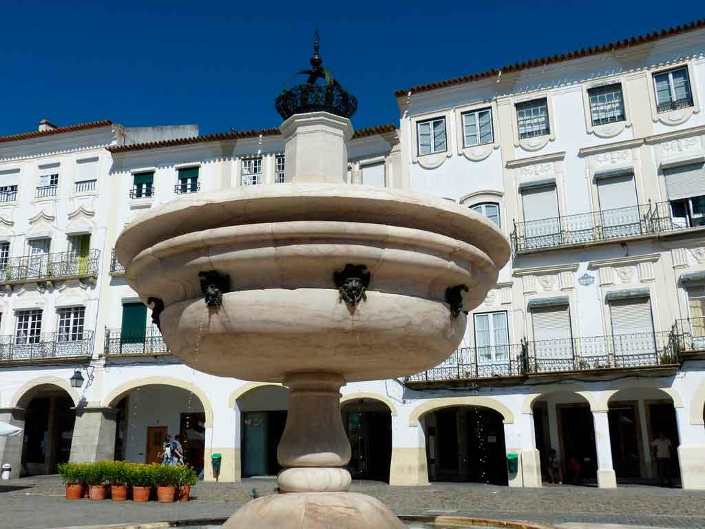 Évora Portugal praça do giraldo