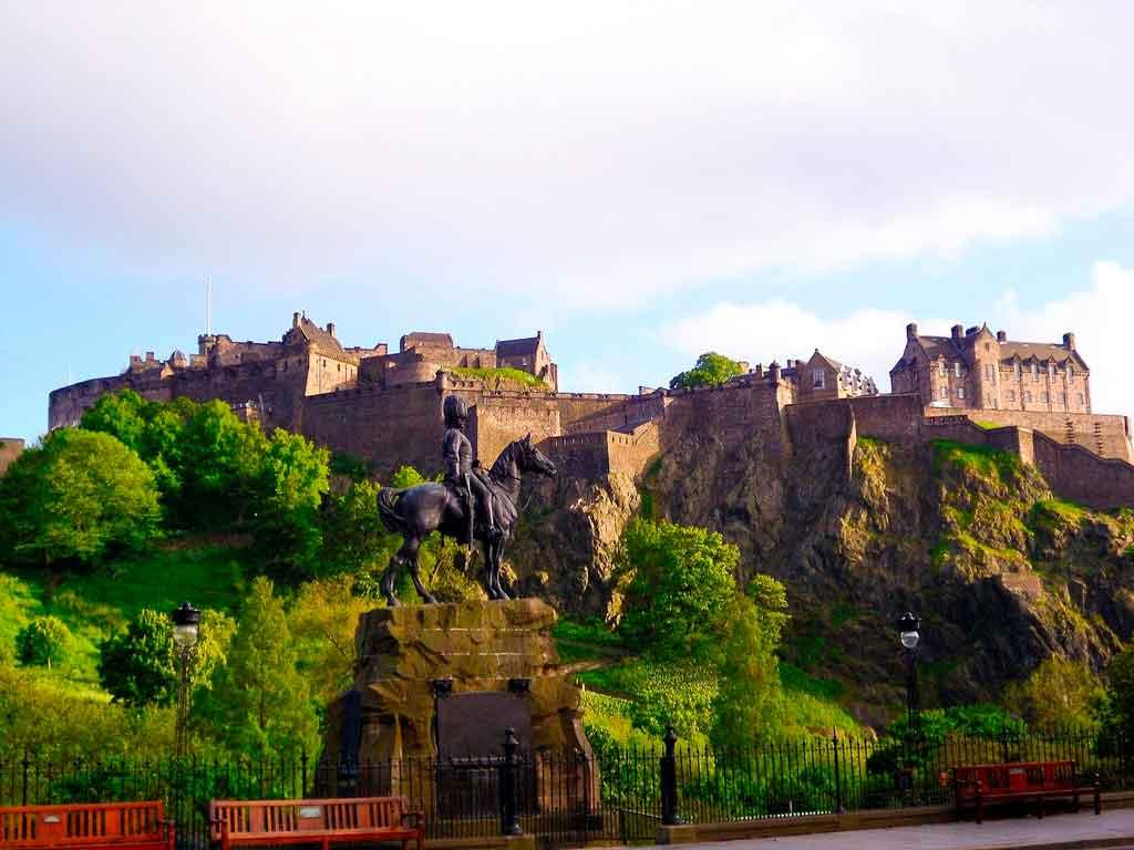 Castelo de Edimburgo qual é o horário de visitação