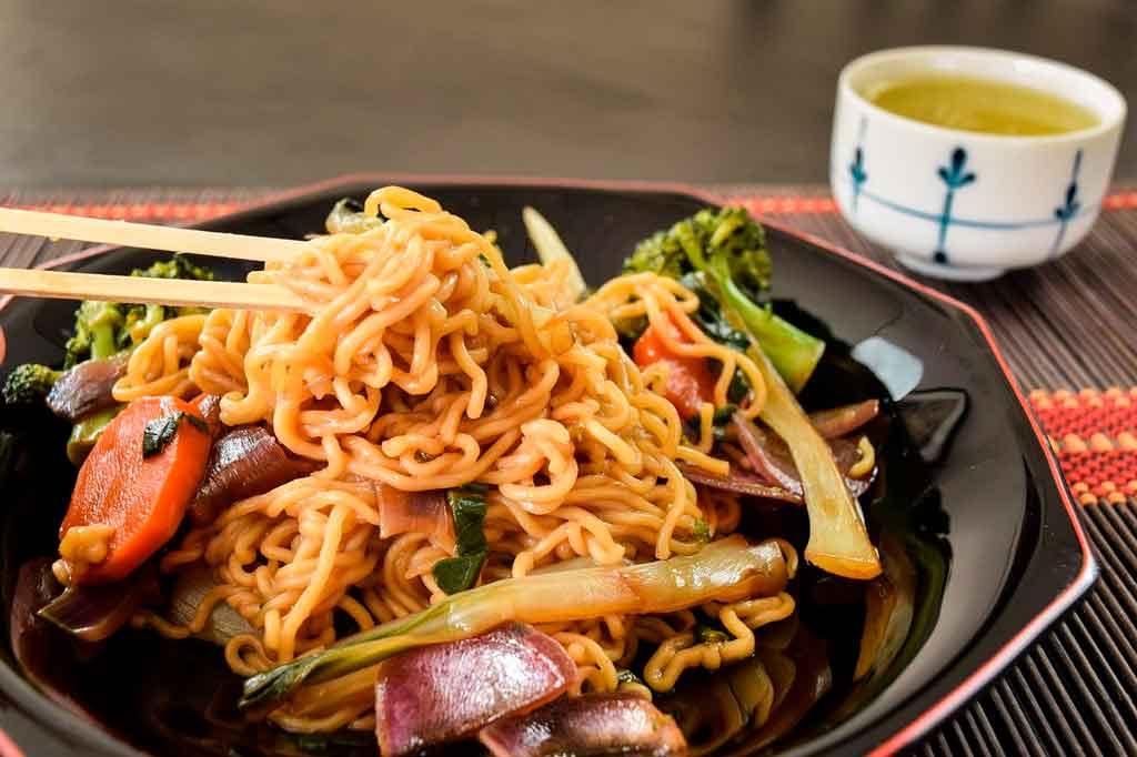 Culinária Japonesa Yakisoba