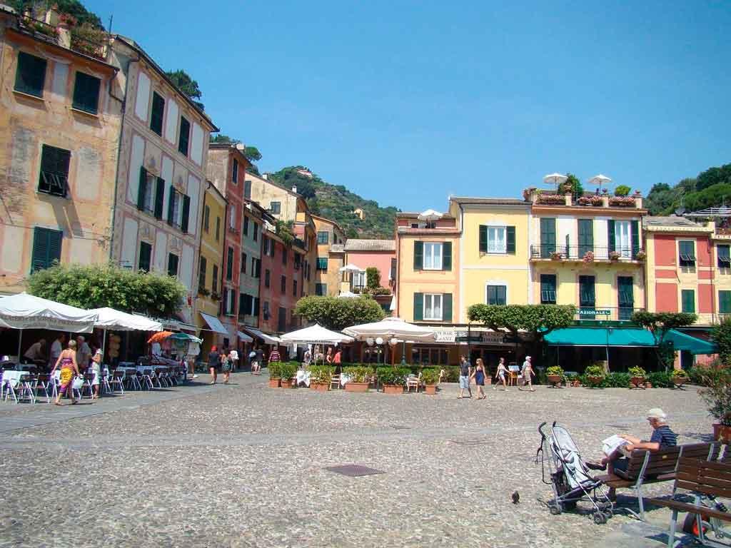 O que fazer em Portofino praça Martiri de Olivetto