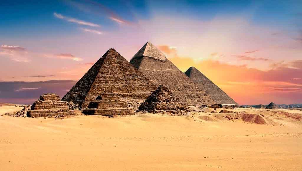 Pirâmides do Egito capa