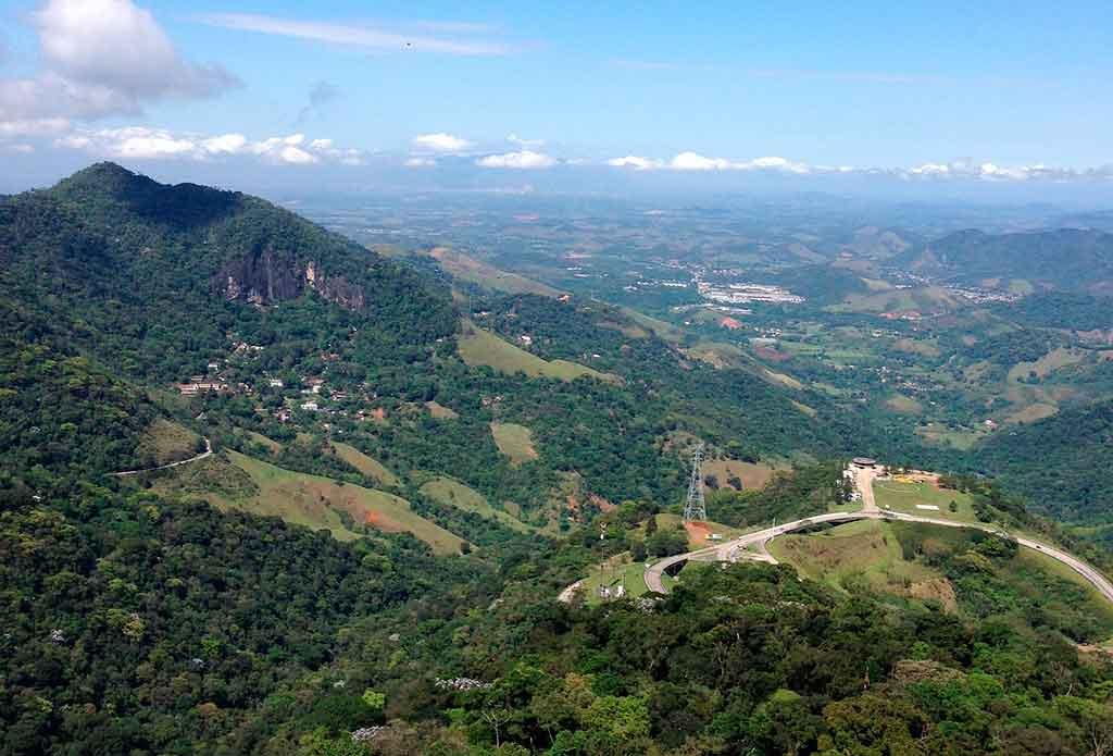 Trilha de passagem de Petrópolis para Teresópolis