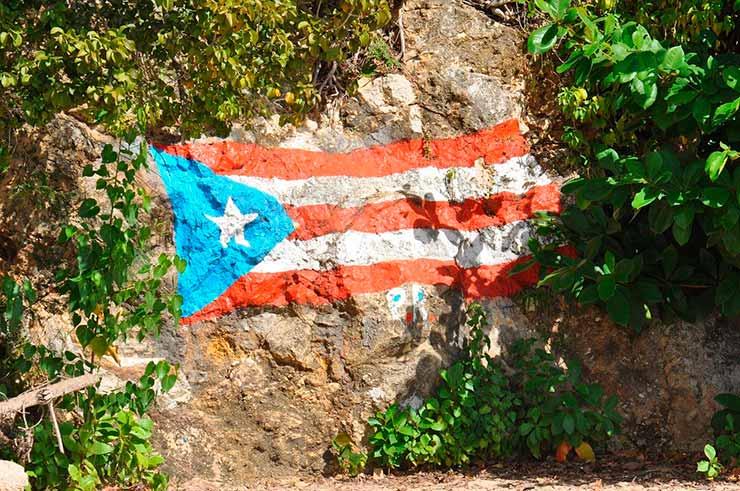 Qual lingua se fala em Porto Rico