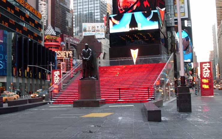 Escadaria Vermelha na Times Square