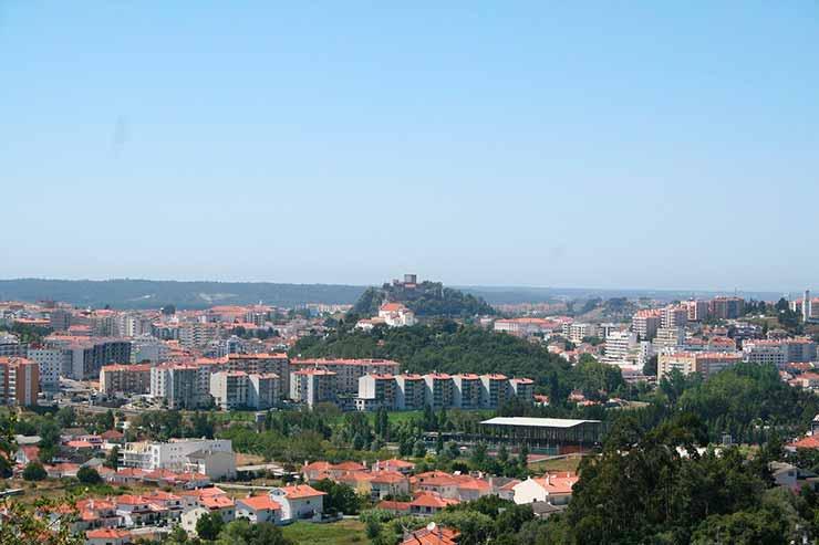 Onde fica Leiria, Portugal?