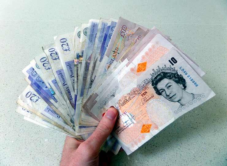 Qual é a moeda oficial do Reino Unido?