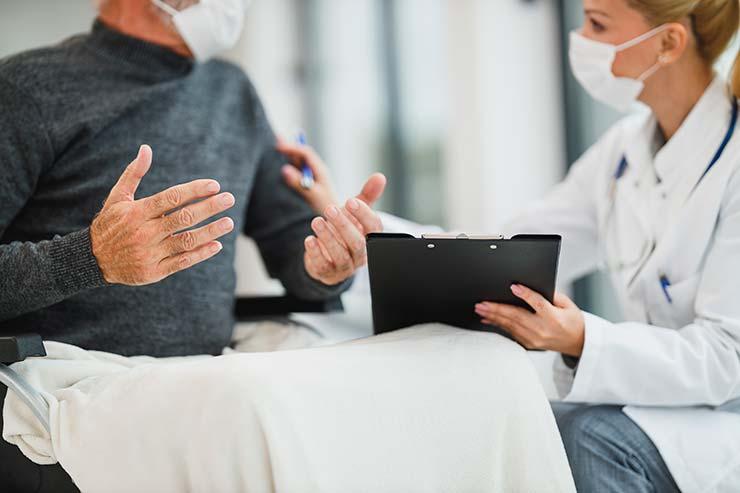 Qual a diferença entre seguro e assistência?