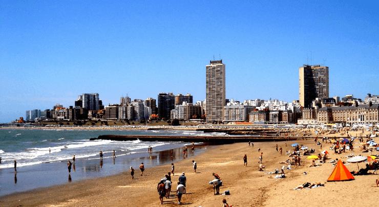 Tem praia em La Plata?