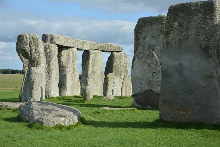 Qual a história de Stonehenge?